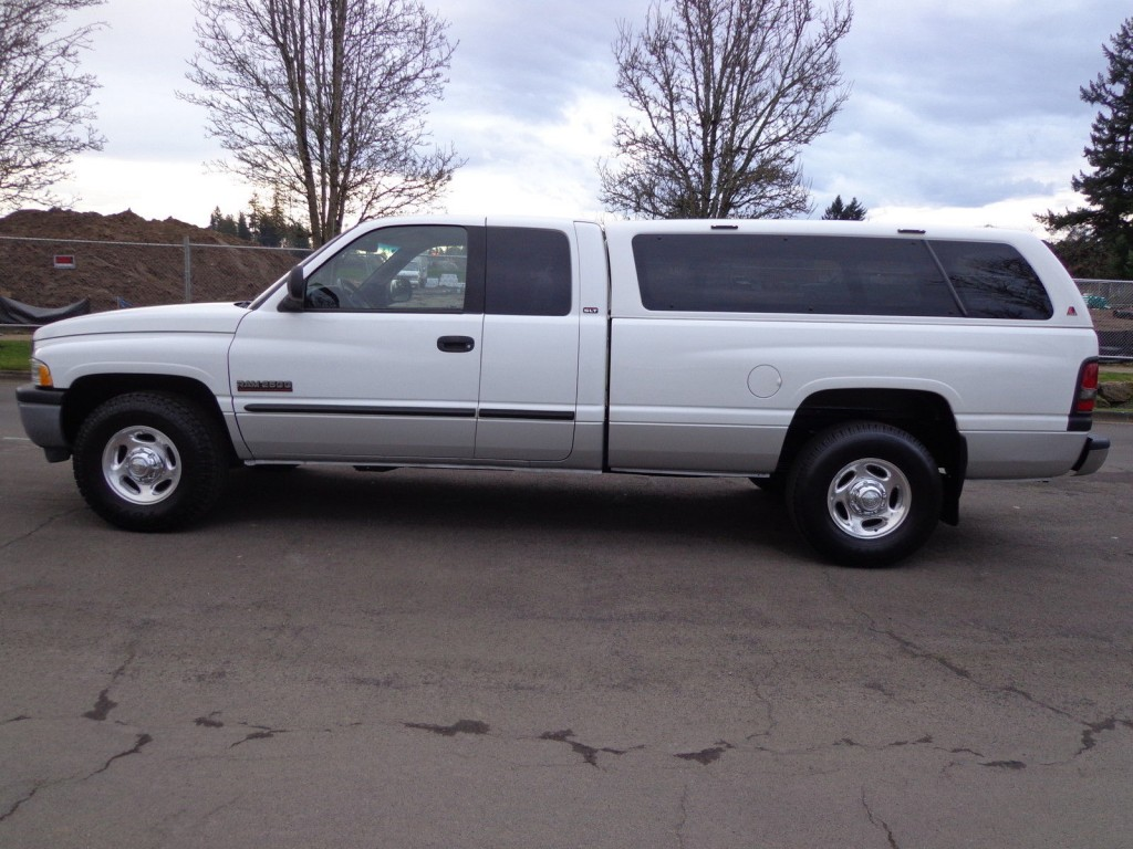 2001 dodge ram 2500 base extended cab pickup 5 9l for sale. Black Bedroom Furniture Sets. Home Design Ideas