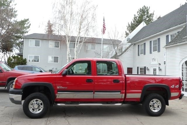 Very well maintained 2004 Chevrolet Silverado 2500 LT