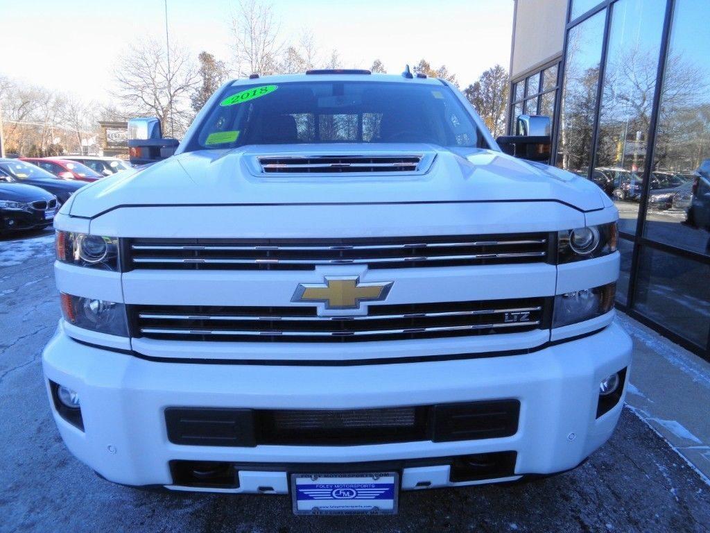 BEAUTIFUL 2018 Chevrolet Silverado 2500 LTZ Crew Cab 4WD