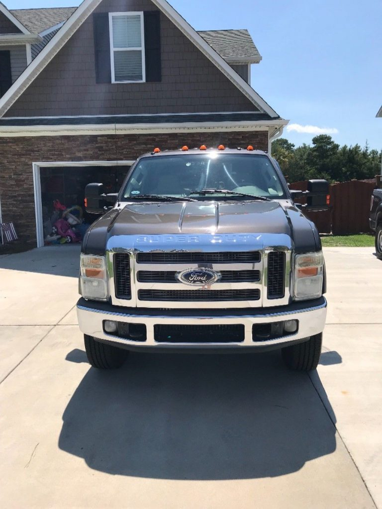 2008 Ford F 250 Tan – very well maintained